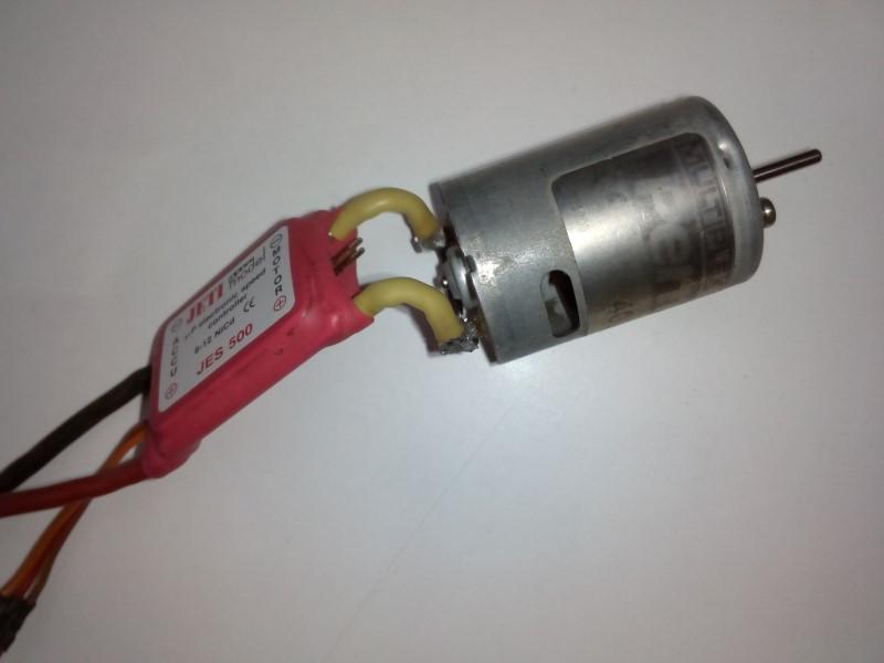 Está viendo las imágenes del artículo: Carreras Pylon PR400 II